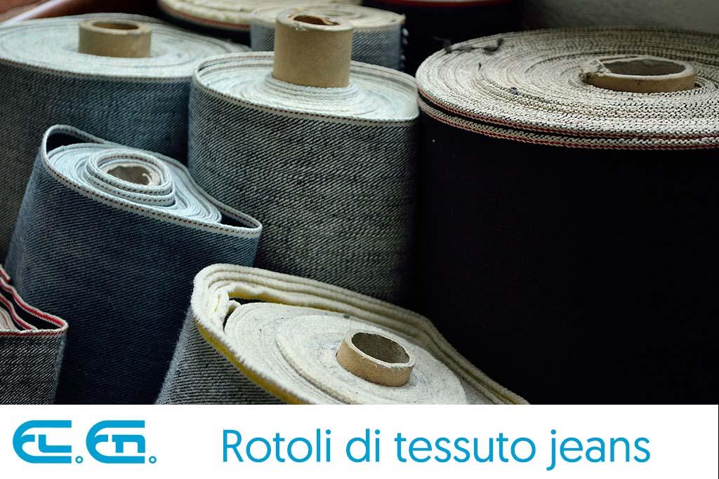 Rotoli di tessuto jeans